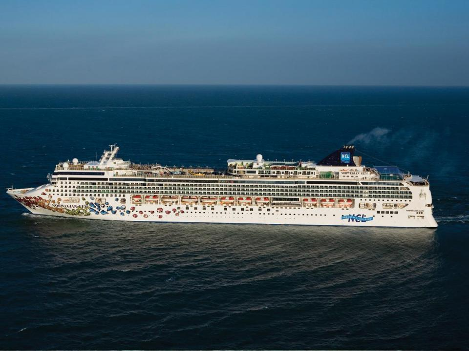 spree cruise line Spree cruise line essay determining the course of action with damage to port, prop, and passenger moral - spree cruise line essay introduction there are three key issues that spree cruise lines are being faced with.