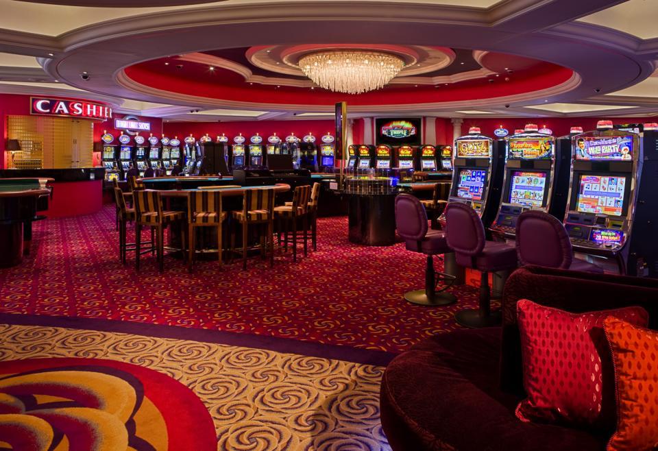 не открывается казино кристалл