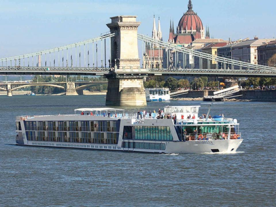 AmaVerde Photos on CruiseCheap.com