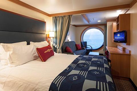 Disney Dream Cabin 9510 Category 08b Deluxe Family Oceanview