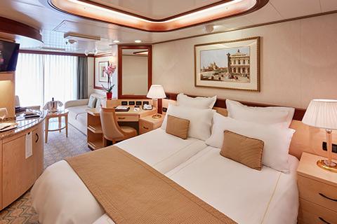 Queen Elizabeth Cabin 5089 Category P2 Princess Suite