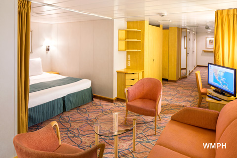 Rhapsody of the seas cabin 4032 category fo family for Rhapsody of the seas cabins deck 2