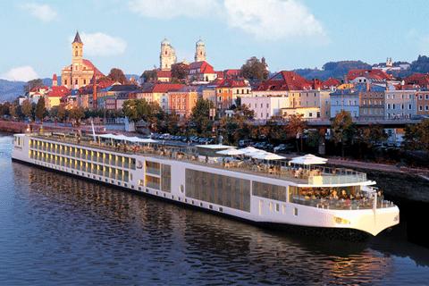 Night Romantic Danube Cruise On Viking Freya From Budapest - Danube cruise