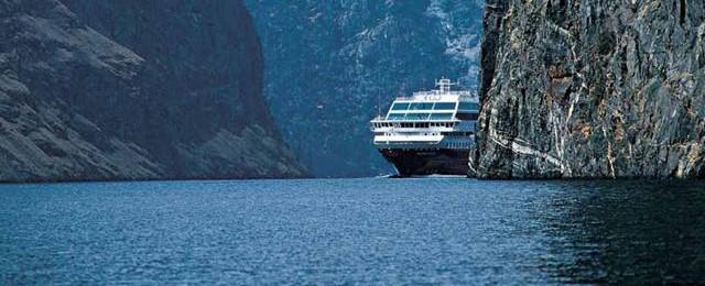 Hurtigruten Cruise Line and Hurtigruten Cruise Line Cruise Line Ships on 2buckhut.com